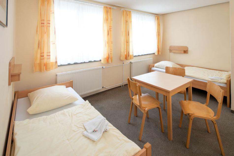 Hell und freundlich: Ein Jugendherbergs-Zimmer in Dresden. Das Haus verfügt über 480 Betten.