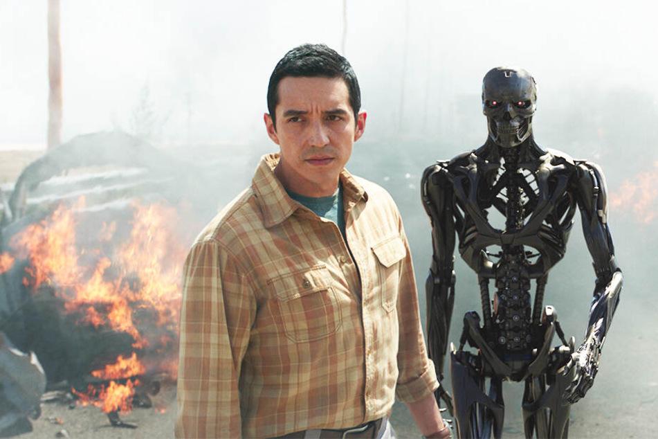 Der neue Terminator Rev-9 (Gabriel Luna) hat bemerkenswerte Fähigkeiten, die ihn zum brutalsten Gegenspieler der gesamten Reihe machen!