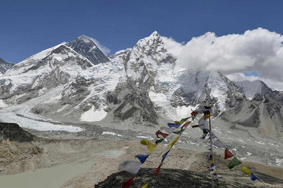 Indien will den höchsten Berg der Welt, den Mount Everest, noch 2017 neu vermessen.