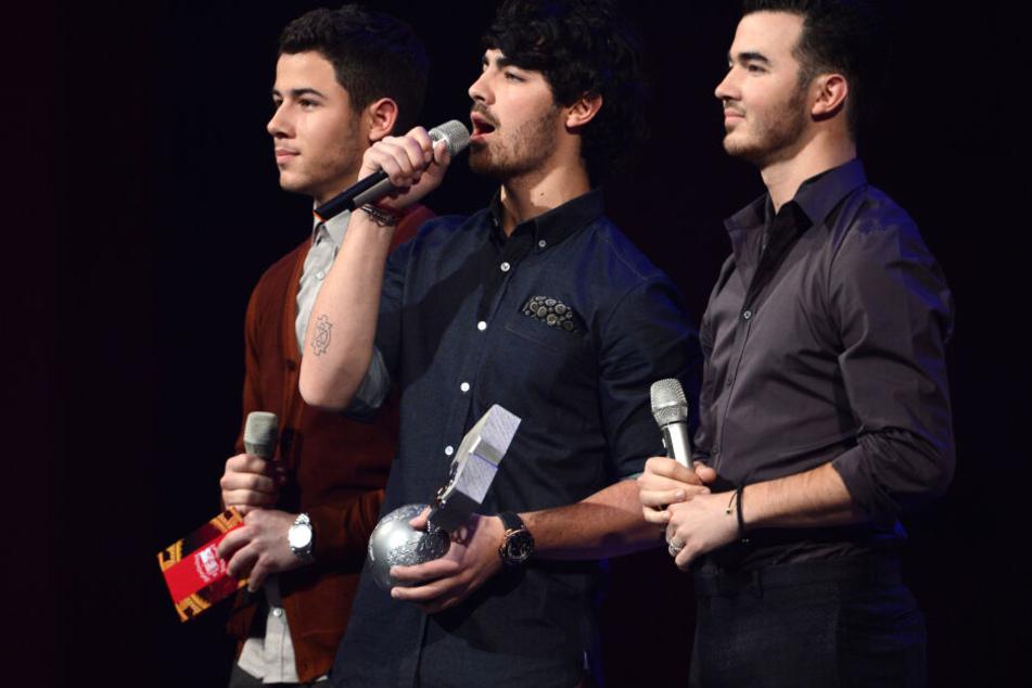 Trinkspiel hat sie wieder versöhnt. Die Jonas Brothers sind zurück!