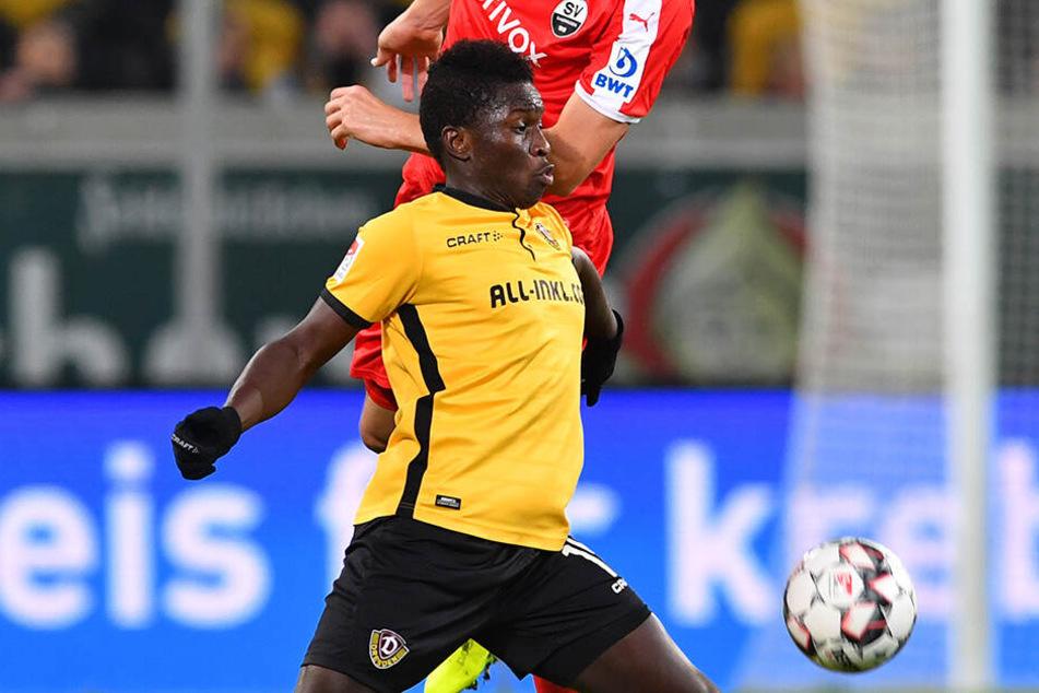 Moussa Koné (vorn) im Hinspiel gegen den SV Sandhausen.