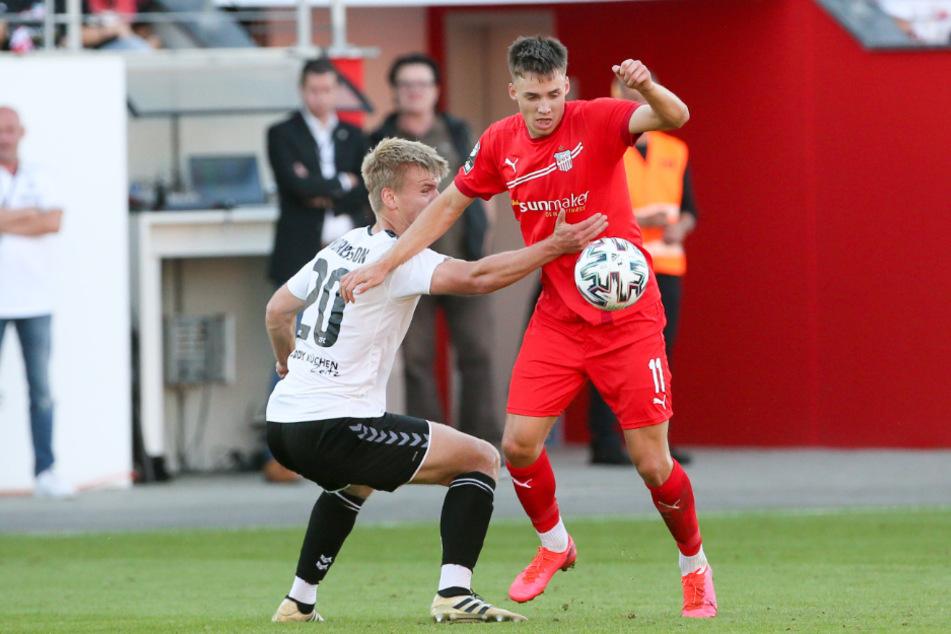 Dustin Willms (r.) tritt am Samstag mit dem FSV bei Aufsteiger Verl an.