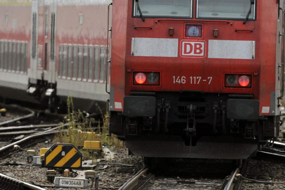 Die Regionalbahnstrecke in Frankfurt musste von 15.57 bis 17 Uhr gesperrt werden (Symbolbild).