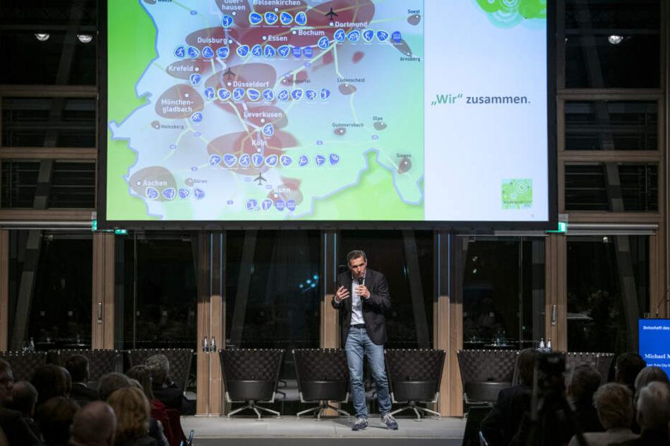 Michael Mronz, Sportmanager und Unternehmer, nimmt an der Presseveranstaltung der Olympia-Initiative Rhein-Ruhr teil.