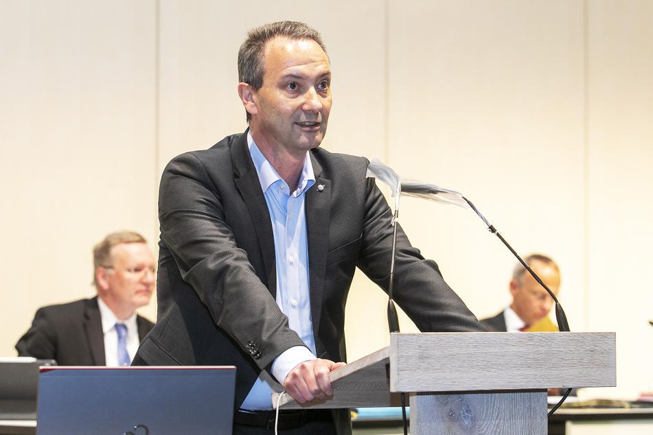 """""""Ich freue mich auf die Aufgaben, die jetzt vor mir liegen"""": CDU-Chef Jan Donhauser (51) wird neuer Bildungsbürgermeister."""