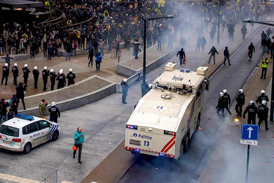 Gewalt-Aktionen nach Demo gegen Migrationspakt in Brüssel