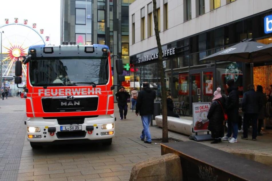ABC-Alarm in einer Leipziger Starbucks-Filiale.