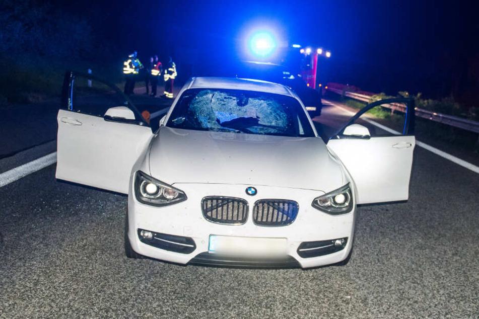 Bei einem ähnlichen Vorfall wurde die Windschutzscheibe eines Autos durchschlagen. (Archivfoto)
