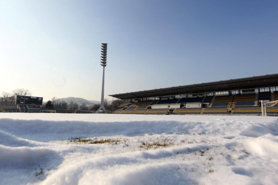 Auf dem Ernst-Abbe-Sportfeld in Jena geht aktuell nichts. (Symbolfoto)