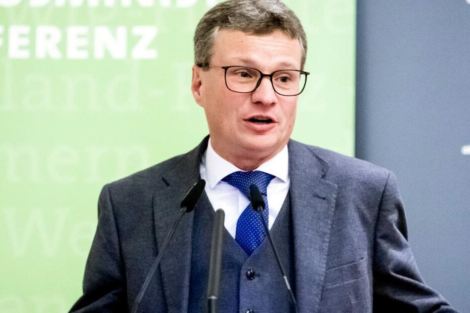 Bernd Sibler hat klare Vorstellungen von Maßnahmen in Bayern.