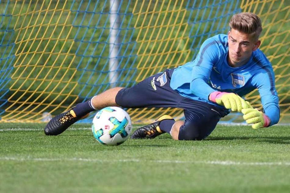 Jonathan Klinsmann bestreitet sein erstes Pflichtspiel für Hertha BSC.
