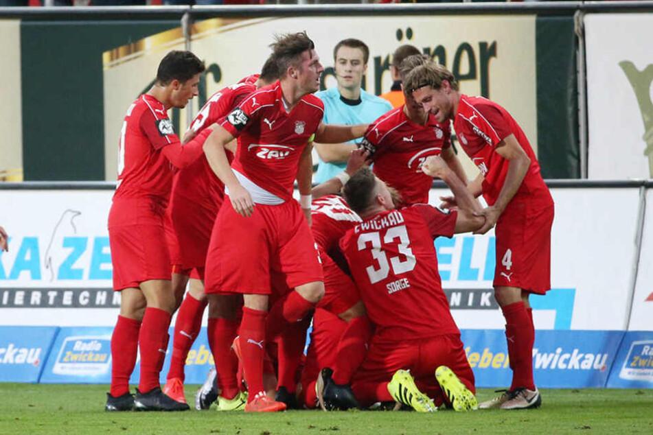 Das Tor zum 1:0 Für den FSV Zwickau durch Marcel Bär.