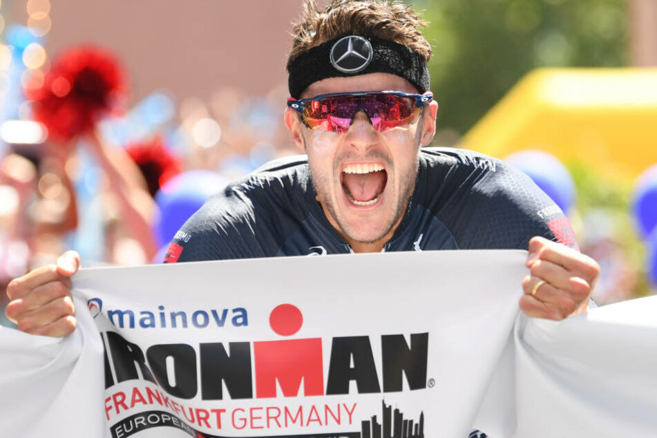 Mit gut acht Minuten Vorsprung rauschte Jan Frodeno letztlich ins Ziel.