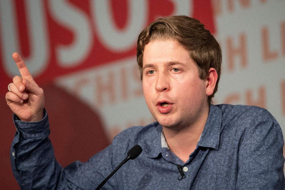 f: Kevin Kühnert, Bundesvorsitzender der Jungsozialisten (Jusos), spricht beim Auftakt des dreitägigen Juso-Bundeskongresses der Jugendorganisation der SPD. (Archivbild)