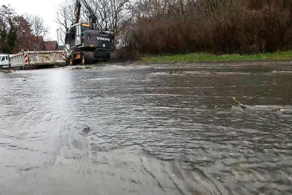 Wasserrohrbruch legt Versorgung von Erfurter Stadtteile mit Trinkwasser lahm