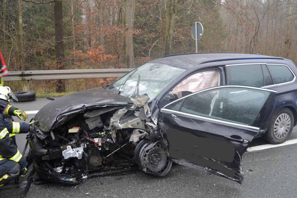 Der VW Passat-Fahrer (41) hatte keine Chance mehr, dem Geisterfahrer auszuweichen.