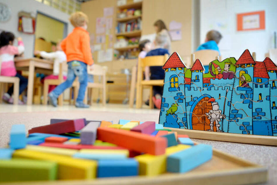 Kinder in Thüringen gehen nun zwei Jahre kostenlos in die Kita. (Symbolbild)