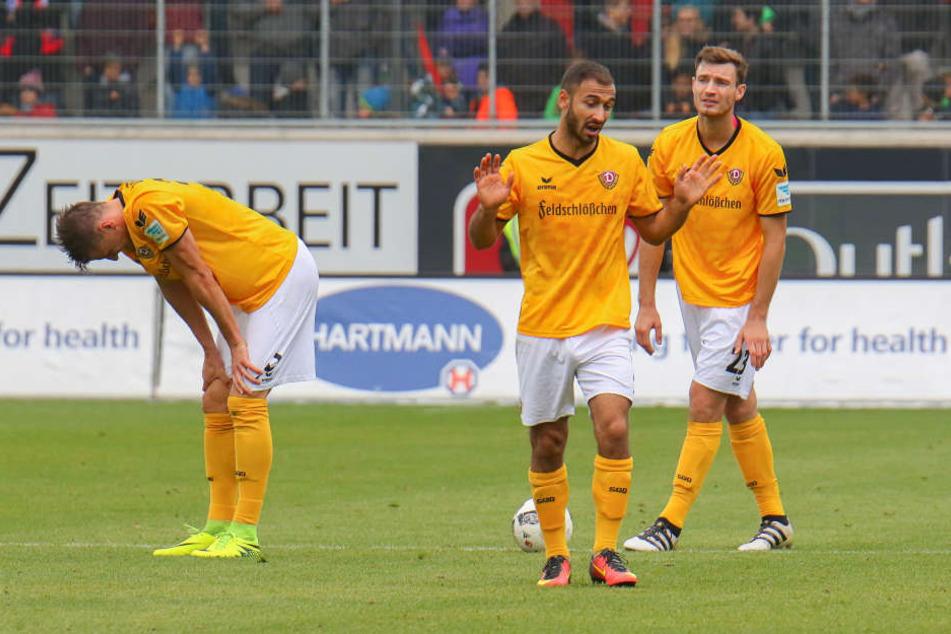 Sinnbildlich für das Spiel in Heidenheim: Kutschke, Gogia und Ballas sind enttäuscht.