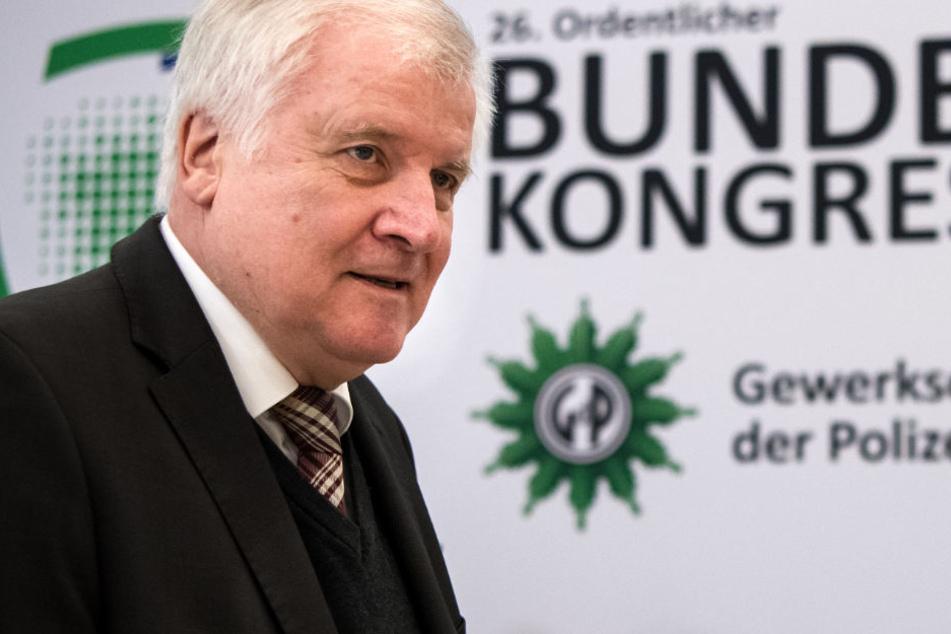 CSU-Chef Horst Seehofer hat sich zur Vorsitzendenwahl der CDU geäußert. (Archivbild)