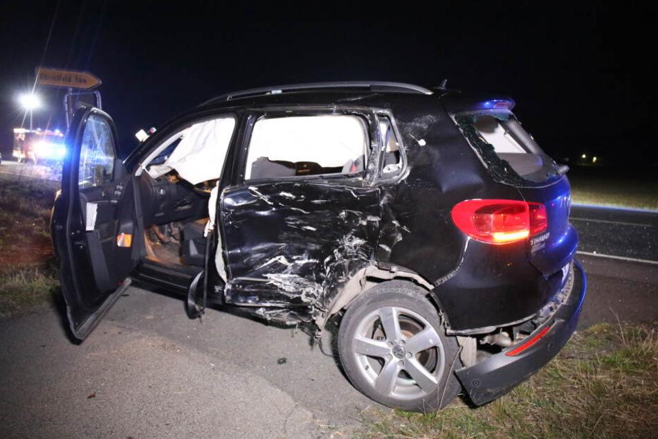 Der Autofahrer erlitt einen Schock, ein Kleinkind, das bei ihm im Auto saß, wurde schwer verletzt.