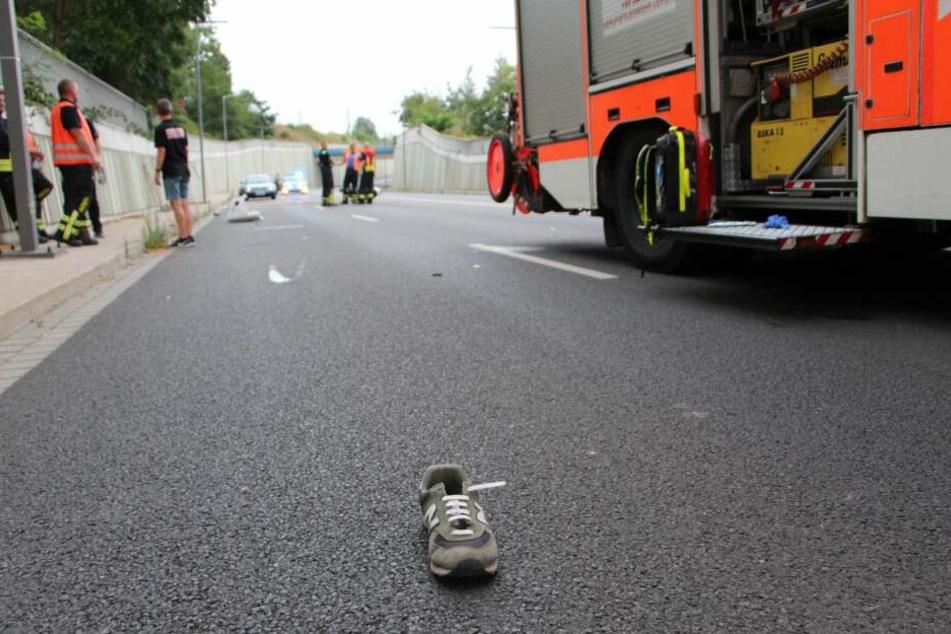 Der 38-jährige Fahrer trug außer einem Helm keine Schutzkleidung.