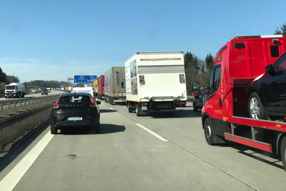 Auch auf der A4 gibt es derzeit Stau, in Fahrtrichtung Erfurt.
