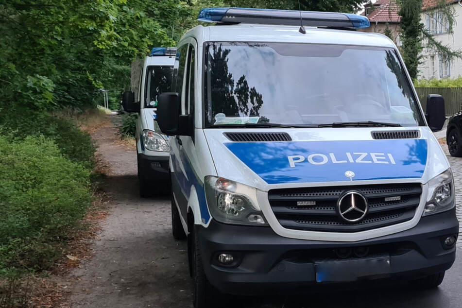 In Berlin-Wannsee ist ein toter Mann entdeckt worden. Die Polizei geht von einem Tötungsdelikt aus. (Symbolbild)