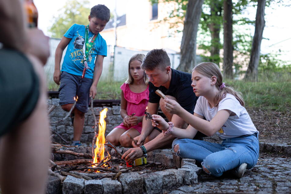 """Lagerfeuerromantik und unvergessliche Erlebnisse mit Gleichaltrigen konnten Generationen von Kindern mit den """"Verreisern"""" erleben."""