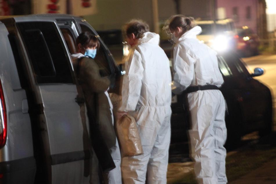 Nach acht Messerstichen! 20-Jährige soll Mann aus drittem Stock gestoßen haben
