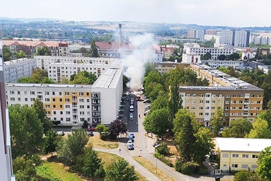 Der aufsteigende Rauch war weithin in der Stadt sichtbar.