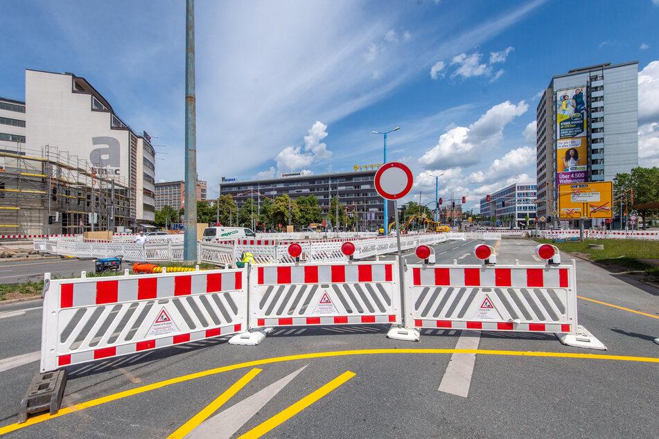 Wegen der Sanierung des Gleisdreiecks in der Bahnhofstraße ist derzeit auch die Augustusburger Straße voll gesperrt. (Archivbild)