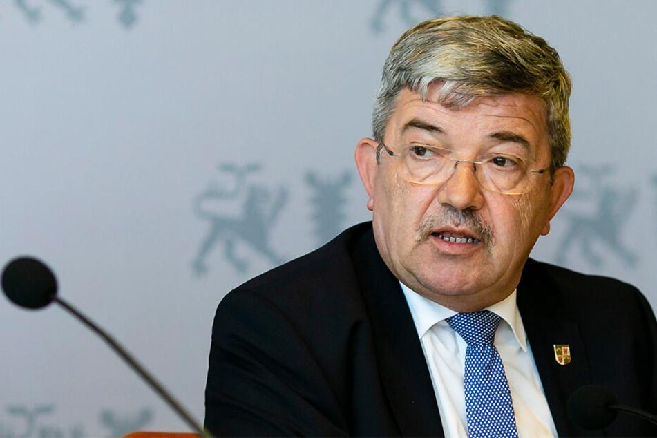 Innenminister Lorenz Caffier (64, CDU) vor wenigen Tagen in Kiel.