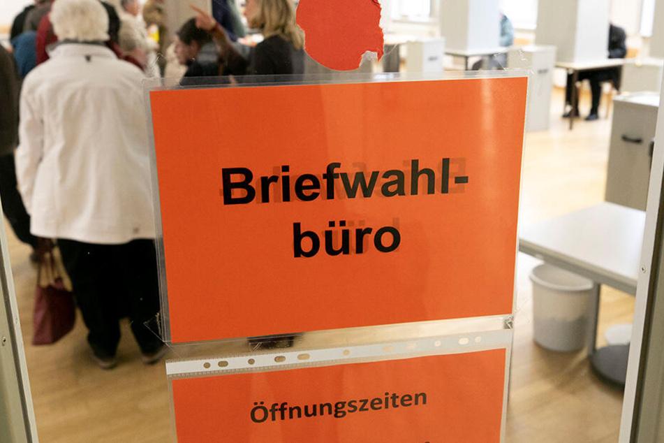 Briefwahlbüro im Bürgeramt Theaterstaße - geöffnet bis 24. Mai, täglich von 9 bis 18 Uhr (Mo.-Fr.).