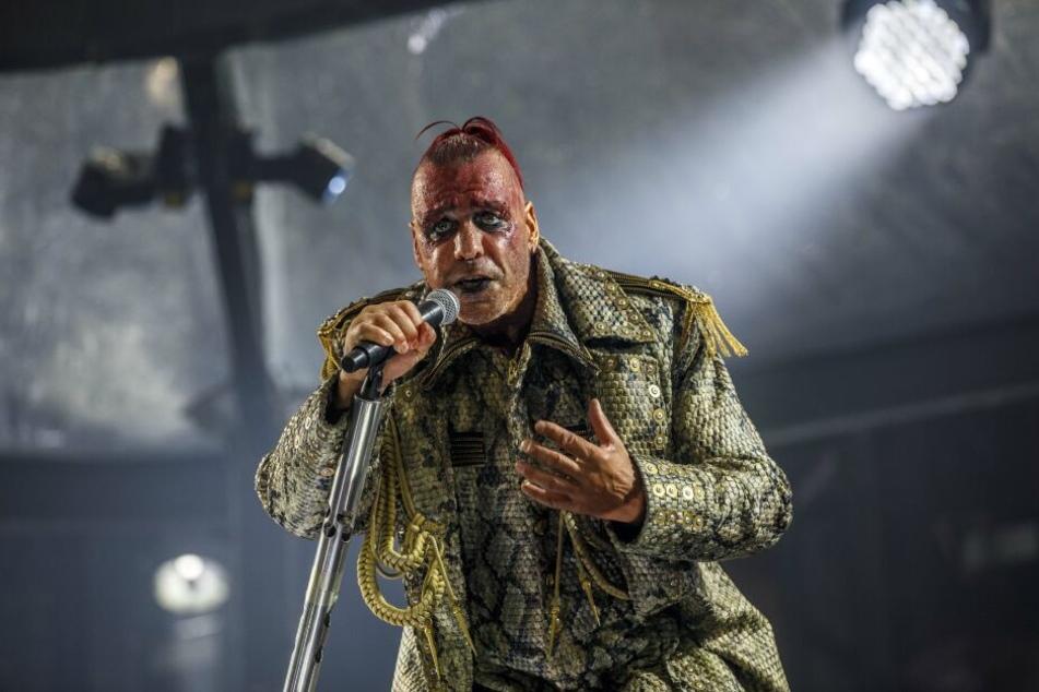 Till Lindemann auf der Bühne in Dresden.
