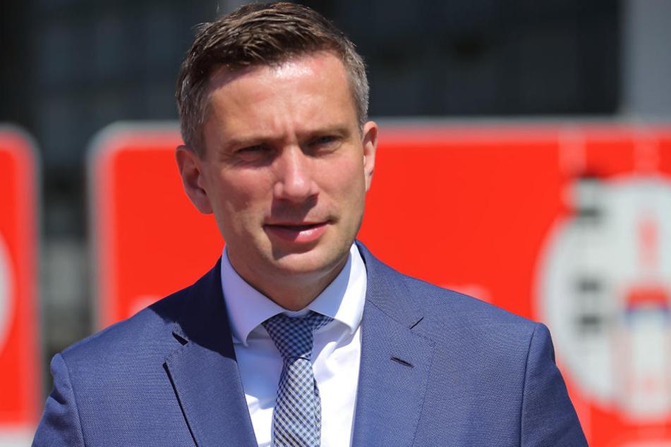 Wirtschaftsminister Martin Dulig (43, SPD) appelliert an Sachsens  Firmen-Chefs, sich frühzeitig Gedanken um die Nachfolge zu machen. Es gehe um  viele Jobs