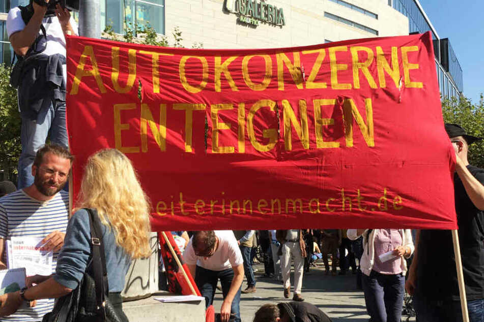 Einige #aussteigen-Demonstranten stellten auch eine sehr radikale Forderung.