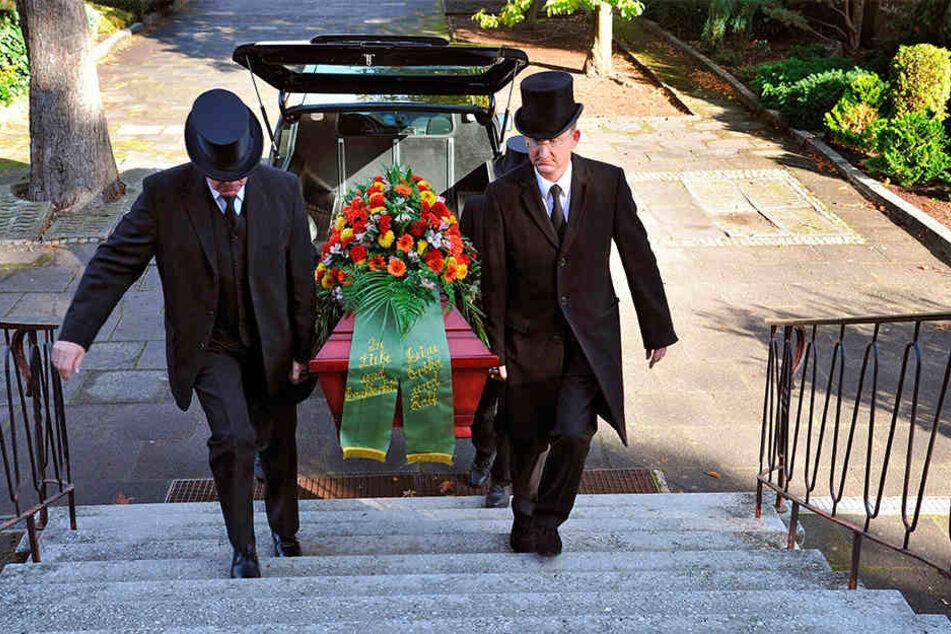 Eine Bestattung ist eine kostspielige Angelegenheit