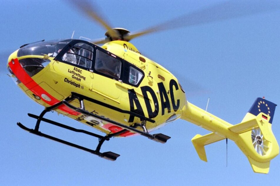 Bei einem schweren Unfall auf der B2 waren auch Hubschrauber im Einsatz. (Symbolbild)