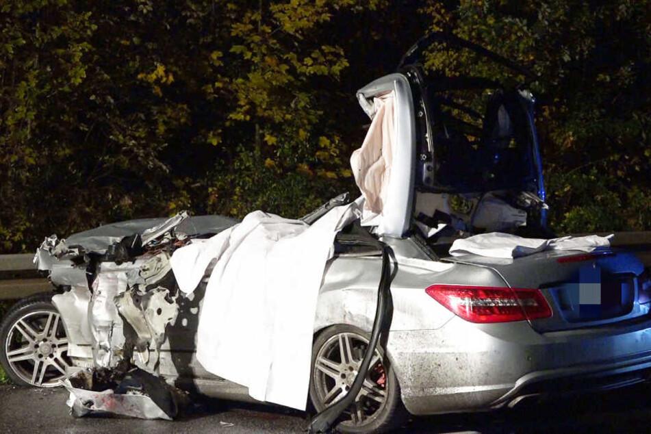 Drei Menschen kamen bei dem Crash ums Leben.