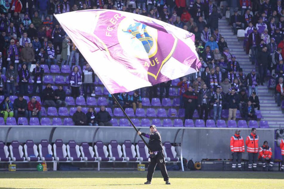 Wie immer blieben im Erzgebirgsstadion einige Sitze frei, auch die richtige Stimmung wollte gegen Duisburg nicht aufkommen. Das wird hoffentlich morgen gegen Köln besser.