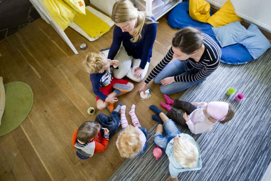Die Freibeuter wollen, dass  Tagesmütter und -väter sich künftig zu Großtagespflegen zusammenschließen dürfen. (Symbolbild)