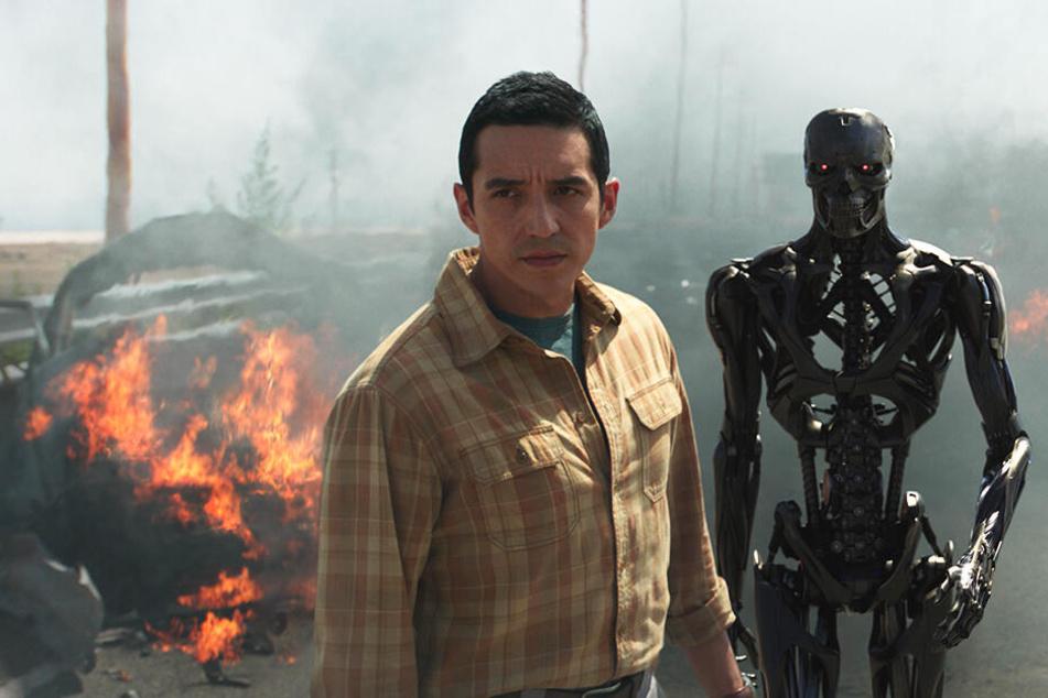 Die neuen Terminatoren um ihren Anführer (Gabriel Luna) machen sich mit modernster Technik auf die Jagd.