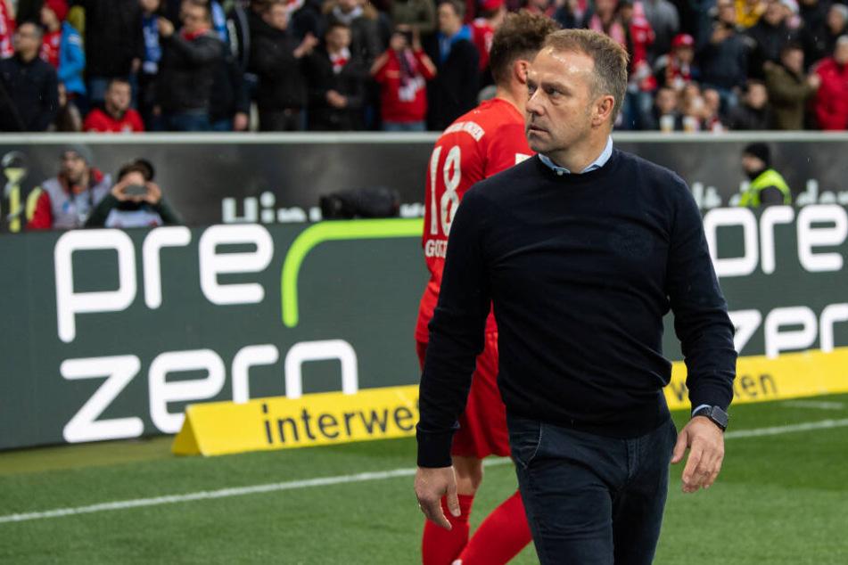 """Bayern-Trainer Hansi Flick war aufgrund des Verhaltens einiger """"Fans"""" sehr wütend."""