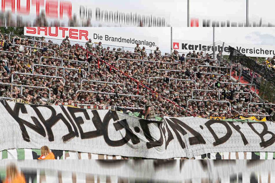 Auf diesem Plakat schickten die Dynamo-Fans ihre Kriegserklärung an  den DFB.