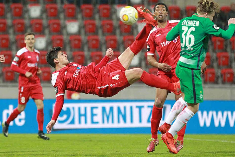 RW Erfurt hat den erhofften Befreiungsschlag im Abstiegskampf verpasst und gegen Bremen II nur 1:1 gespielt.