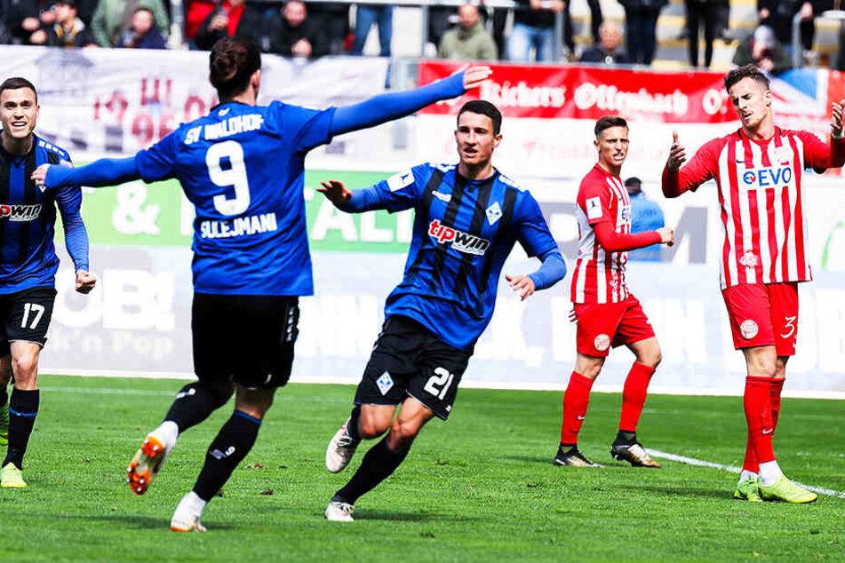 Ein Tag der Freude: Im vierten Anlauf wird der SV Waldhof Mannheim endlich in die 3. Liga aufsteigen.