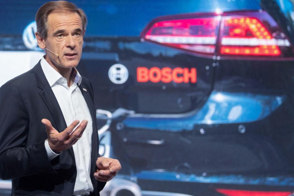 Volker Denner spricht auf der Bilanzpressekonferenz des Unternehmens.