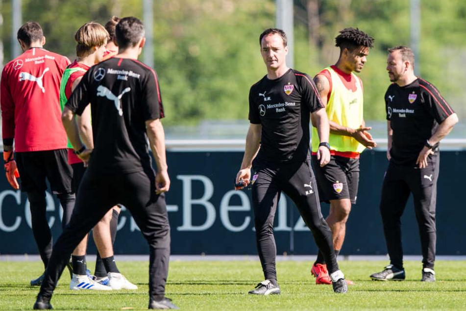 Im gelben Trainingsleibchen: VfB-Kreativspieler Daniel Didavi.