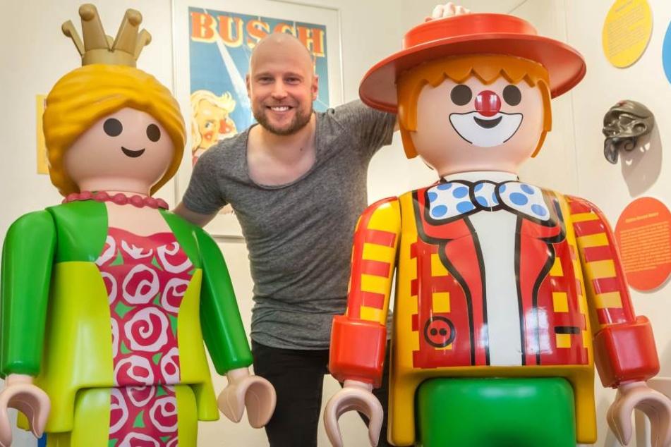 Der Hamburger Sammler Oliver Schaffer (38) hat die größte Playmobil-Sammlung  der Welt. Teile davon sind jetzt im Erzgebirge zu sehen.