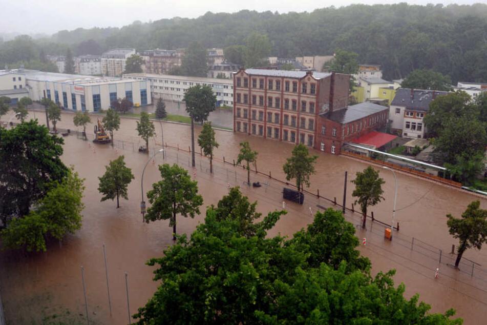 Bei dem Hochwasser 2013 wurde die Annaberger Straße komplett überflutet.